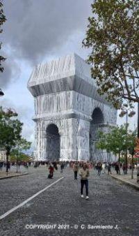 FRANCE – Paris - L'Arc de Triomphe Wrapped