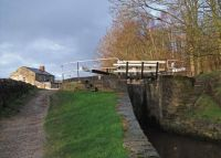 A cruise along the Huddersfield Narrow Canal (230)