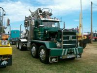 Now this is a crane truck_01
