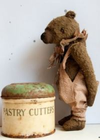 Vintage Teddy and Rusty Tin