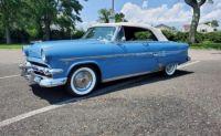 1954 Ford Crestline Sunliner 1