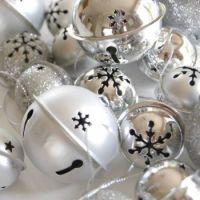 ♫ Silver Bells, ♪♪ Silver Bells...♫♫