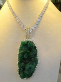 GREEN AGATE DRUZY SURROUNDED BY DIAMONDS