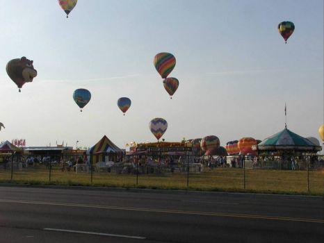 25 Balloons returning at evening