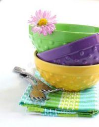stack-bowls-forks-25161828