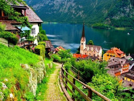 Lovely village of Hallstatt, Austria