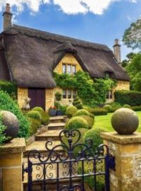 Lovely inviting entrance