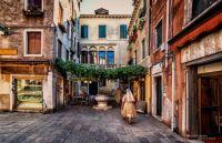 Jim Walczak Courtyard Venice