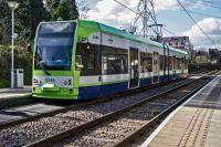 london 22-02-2014 croydon tramlink 2546 leaving mitcham 01