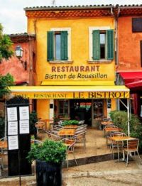 Le Bistrot in the village of Roussillon, Provence, France