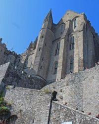 Another upifting view of buildings on Mt. St. Michel, 2019-09