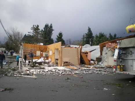 Aumsville Oregon-Tornado Destrction