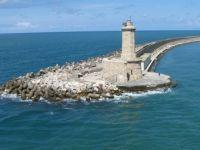 Livorno lighthouse: Faro della Diga Curvilinea