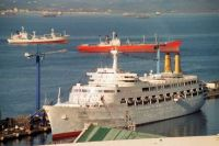 CANBERRA docked at Gibraltar's South Mole on Boxing Day 1996