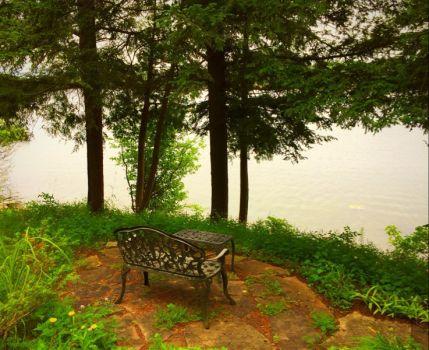 A quiet little spot by a lake