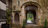 hever-castle-rande-gatehouse