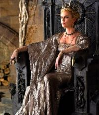 Pretty people in decadent clothing 11: Charlize Theron