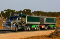 Aussie Pete road train_01