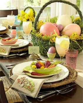 Charming Easter table setting