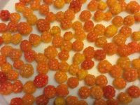 Cloudberries for cake decoration
