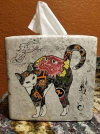 Monmon cat tissue box cover