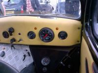 The dashboard of the Ford with the kidneys