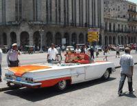 Car in Havana (2011)