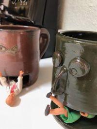 Hungry mugs