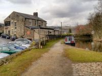A cruise along the Huddersfield Narrow Canal (236)