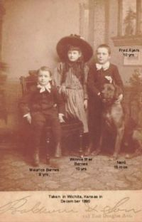 Barnes Children and dog 001