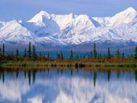 Lake mirrors mountains
