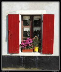 Window in Bretagne, photo by SYGAL 93