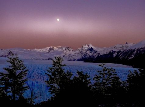 Perito Moreno Glacier - night view (beautiful)