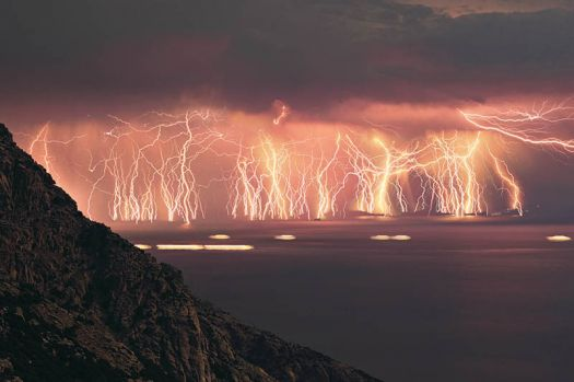 70 lightening strikes at once
