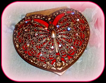 Beautiul Valentine Trinket Box Keepsake