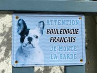 Bulldog sign in France