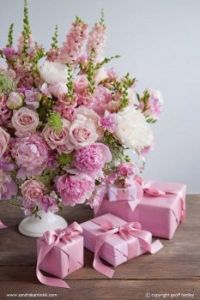 Pink Flowers & Pink Gifts