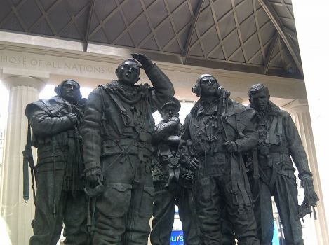 Westminster-Memorial to the 101 Squadrom