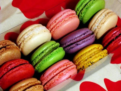Assorted Macarons, by wEnDaLicious on flickr