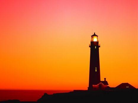6885824-lighthouse