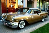 1957 Olds Super 88 J2 Holiday Coupe