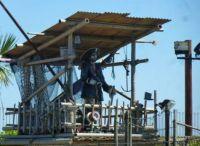 I, I am Bindy, the one-eyed, one-armed, one-legged terrible pirat!