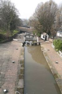 chester 22-03-2012 canal locks v pan 01