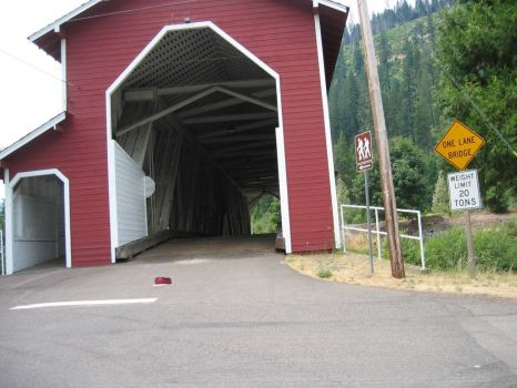 Cascades covered bridge