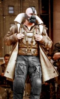 Bane (Tom Hardy) in a shearling coat (third jacket post)