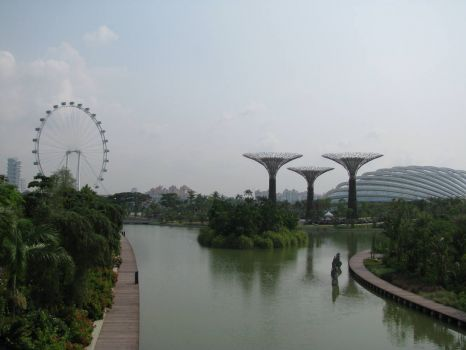 The other side of Dragonfly Lake at Marina Bay Gardens - Singapore