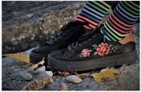 Black lacy sneakers