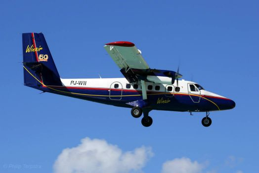 Twin Otter on approach to St. Maarten