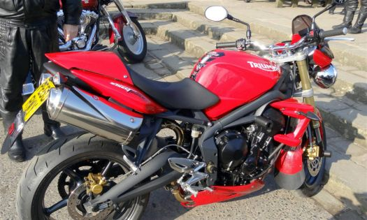 Triumph Street Triple (1) (Large)
