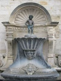 2018 04 16 - Geraardsbergen (Belgium) Manneke Pis (160 years older than the Brussels one)